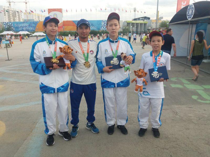 Команда СФО одержала победу в соревнованиях по вольной борьбе